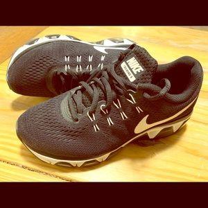 Nike women's tailwind 8